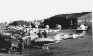 tn_Gloster Meteor F I - 17