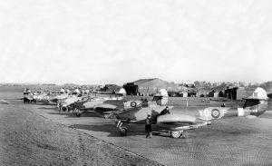 tn_Gloster Meteor F III - 35