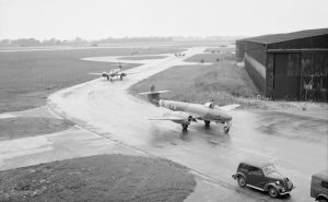 tn_Gloster Meteor F III - 37
